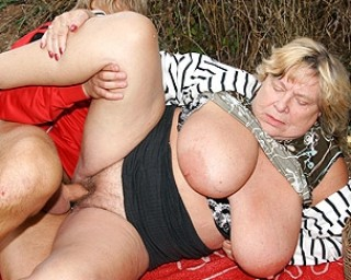 These huge mature tits are made for bouncing