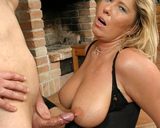 Bigtit slut matures